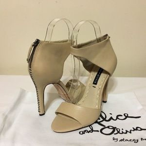 🆕Alice Olivia Gretchen Beige leather heel sandals